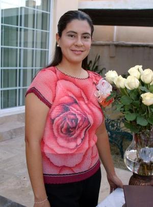 <u><i> 17 de octubre de 2004</u></i><p>  Sandra Véronica Leyva PAcheco contraerá matrimonio en breve y por tal motivo le ofrecieron una despedida.