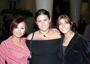 Bianca Yordana Rodríguez, Robe Sophi Ramos y Tania Sánchezviesca.