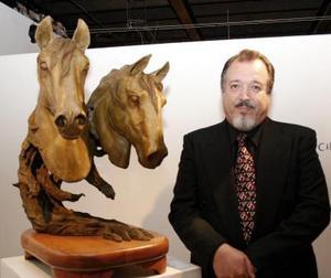 El artista José Antonio García Guerra presentó la exposición escultórica Dominio, Natural.