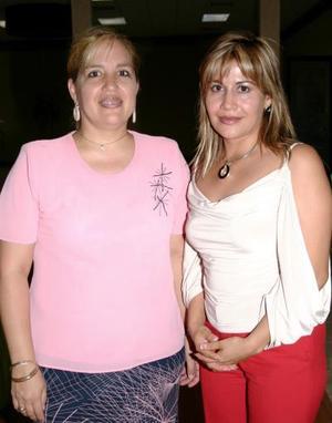 María de González y Lorena López.