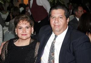 <u><i> 17 de octubre de 2004</u></i><p>  Wilfrido Treviño Valdés y Lorena de Treviño.