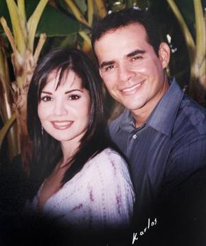 C.P. René Ríos Parra y la L.A.E. Alejandra Silveyra Arredondo efectuaron su presentación religiosa en la parroquia del Santo Niño, el sábado cuatro de septiembre de 2004.