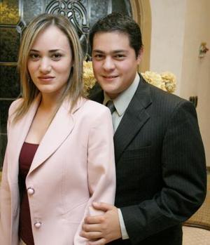 <u><i> 17 de octubre de 2004</u></i><p>   Sr. José Eduardo Chávez Villarreal y L.R.H. Flor Hernández Rascón contrajeron matrimonio civil el sábado nueve de octubre de 2004.