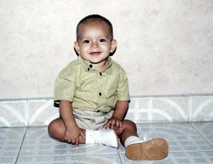 El pequeño Enrique Vargas Flores cumplió un año de vida recientemente y por tal motivo sus  papás, Flavio Vargas Padilla y Mónica Flores de Vargas, le organizaron un convivio infantil.