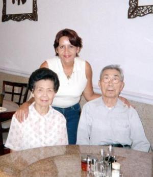 Gabriela Yáñez Martell disfrutó de una visita social al  Barrio Chino, en la ciudad de Houston, Texas, durante sus vacaciones.