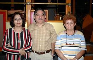 Ivonne Motola de Leal, Gabriel Leal y Diana Motola Berlanga.