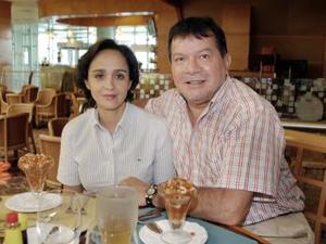 Leonardo Navarro y María Eva Nahle.