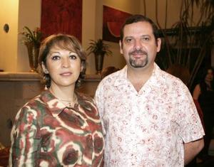 <u><i> 18 de octubre de 2004</u></i><p>  María Esther de Muñoz y Ángel Aguirre