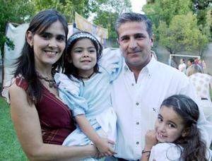 Biby Suárez de Barrera y Ricardo Barrera Flores le organizaron una divertida fiesta a su hija Valentina Barrera Suárez