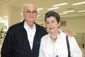 Zenón Ibarra y Margarita de Ibarra viajaron con destino a las playas de Mazatlán, Sin.