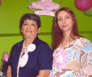 <u><i> 20 de octubre de2004</u></i><p>  Eli Valdez de Delgado en su fiesta de canastilla