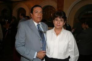 Alfredo Chávez y Carmen Alicia Luévanos