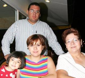 Irma de Díaz Infante, Carlos y Diana de la Fuente y Samy de la Fuente.