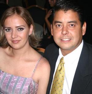 Liliana Corres de González y Carlos González.