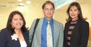 Beatriz Magaña y Socorro Vargas recibieron a Arturo Huerta.