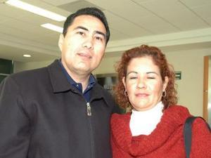 <u><i> 22 de octubre de 2004</u></i><p>  Martín y Silvia Campos volaron con destino a Manzanillo Colima.