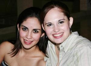 Ana Sofía y Laura Jaik, captadas en pasada despedida de soltera.