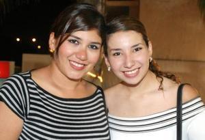 Claudia Villegas y Martha Ochoa.