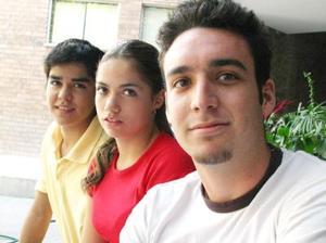 Salvador Ávila, Brenda Baños y Mario Saltijeral.