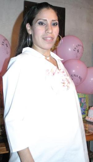 María Luisa Pineda Ríos espera el nacimiento de su bebé.