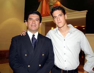 Juan Elías Quezada y su hijo Elías Quezada.