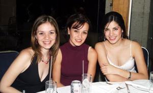 Norma Hernández, Cristy Algara y Gaby Robles.