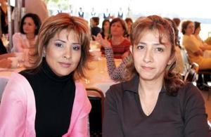 Verónica de Siller y Claudia V. de Morán.