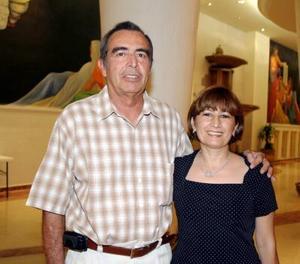 <u><i> 24 de octubre de 2004</u></i><p>  Salvador Miñarro y Carmen Mendoza