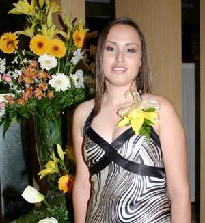 <u><i> 24 de octubre de 2004</u></i><p>  Leticia A. Ramírez Robles disfrutó de una primera despedida de soltera, que le ofrecieron con motivo de su cercano matrimonio