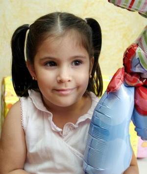Constanza Martínez celebró su cuarto cumpleaños con un agradable convivio infantil.