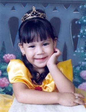 Karen Daniela Peña Estala celebró su cumpleaños con divertido festejo organizado por sus papás