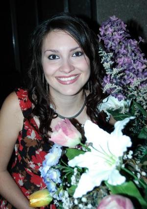Silvia Denice LEal Romo, captada en su despedida de soltera que le ofrecieron recientemente