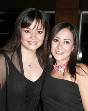 Wendy Barrios de González y Diana Barrios