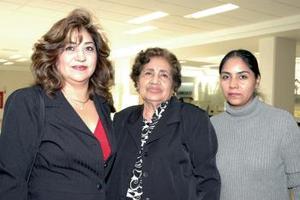 Alicia Zavenont, Patricia y Luz Estely de León viajaron a Tijuana