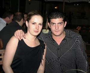 <u><i> 27 de octubre de 2004</u></i><p>  Laura de Mansur y Yusef Mansur