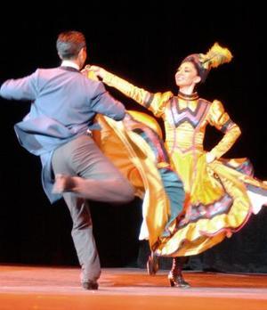 La calidad del Ballet Folclórico de México no le pide nada a cualquier otra expresión dancística del mundo entero.