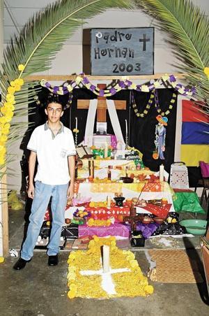La Escuela Carlos Pereyra también realizó la ofrenda del Día de Muertos.