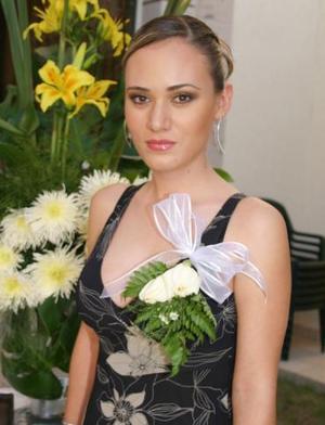 <u><i> 29 de octubre de 2004</u></i><p>  Flor Hernández Rascón, en su despedida de soltera.