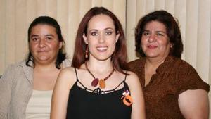 Laura Priscila de González y María Elena López le ofrecieron una despedida a Marina Perla González López, por su próxima boda con Daniel Ruvalcaba Ochoa.