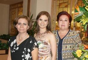 <u><i> 30 de octubre de 2004</u></i><p>   Brenda Salum Castillo contraerá matrimonio en breve con Jorge Chávez Suárez, y por tal motivo Mayela Castillo deSalum y Lidia Suárez de Chávez le ofrecieron una despedida de soltera.