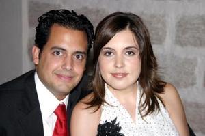 Armando Martínez y Paola G. de Martínez.