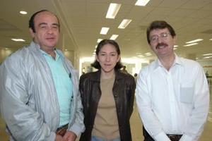 <u><i> 30 de octubre de 2004</u></i><p>  Karina Rodríguez, Ricardo Sobrino y Javier Atamirano viajaron al DF.