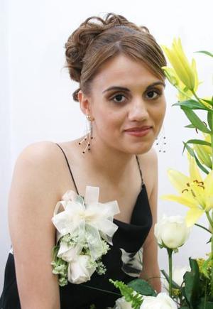 Judith Bernal Rodr{iguez contraerá matrimonio con Mauricio Soto el próximo mes de diciembre.