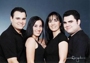 Manuel Guillermo Herrera Silveyra, Gabriela Herrera silveyra, Gabriela Silveyra de Herrera y Carlos Antonio Herrera Silveyra.