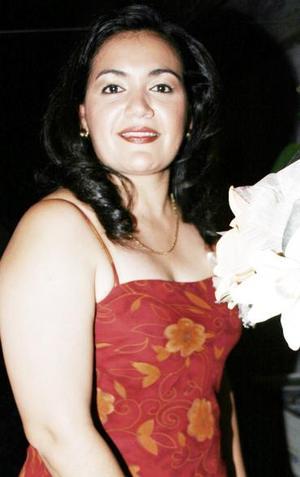 <u><i> 31 de octubre de 2004</u></i><p>  ireya Méndez Oviedo, captada en su despedida de soltera.