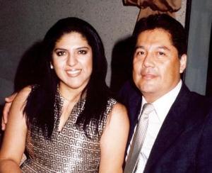 Alicia Yassín de Navejar y Gerardo Navejar.