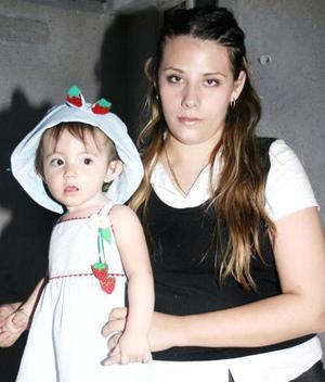 Angélica Tatiana Hernández Bardán junto a su mamá Angélica Bardán, el día de su fiesta de cumpleaños.