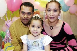 Luis Fernando González y Ana Isabel Quintero festejaron a su hija María Fernanada González Quintero, con motivo de su cumpleaños.