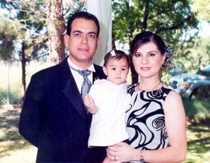 Otto Ramos Castro, rosa Isela Enríquez de Ramos y Mariángel Ramos Enríquez.