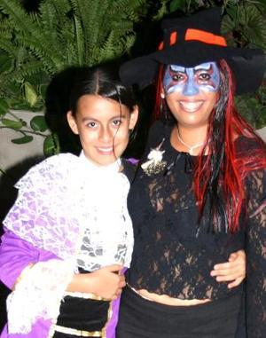 <u><i> 02 de noviembre de 2004</u></i><p>  Andrea Ramírez y Cinthia Ornelas.